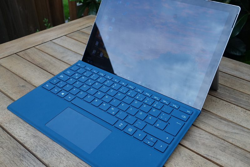 Microsoft surface Pro repairs, surface pro 4, fix screen, broken screen, Mr Computer, St Albans, Sandridge, Herts